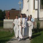 Procesija iz cerkve do šotora