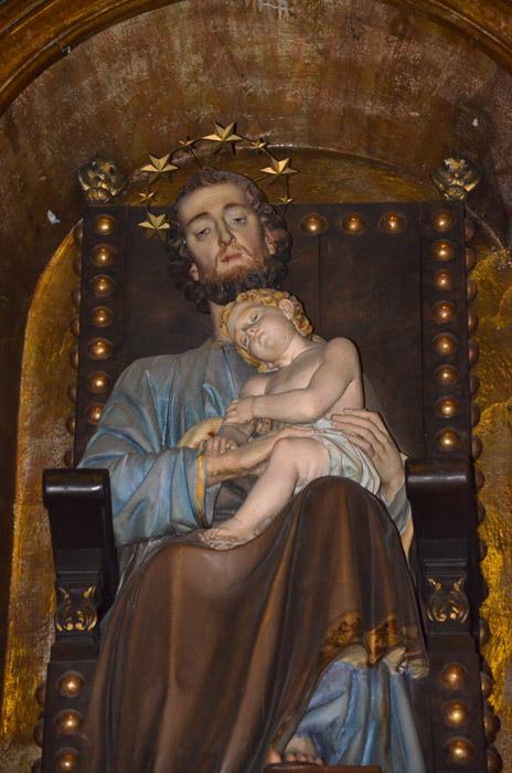 particolare_della_statua_di_san_giuseppe_con_bambino